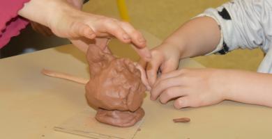 Atelier de pratique artistique famille